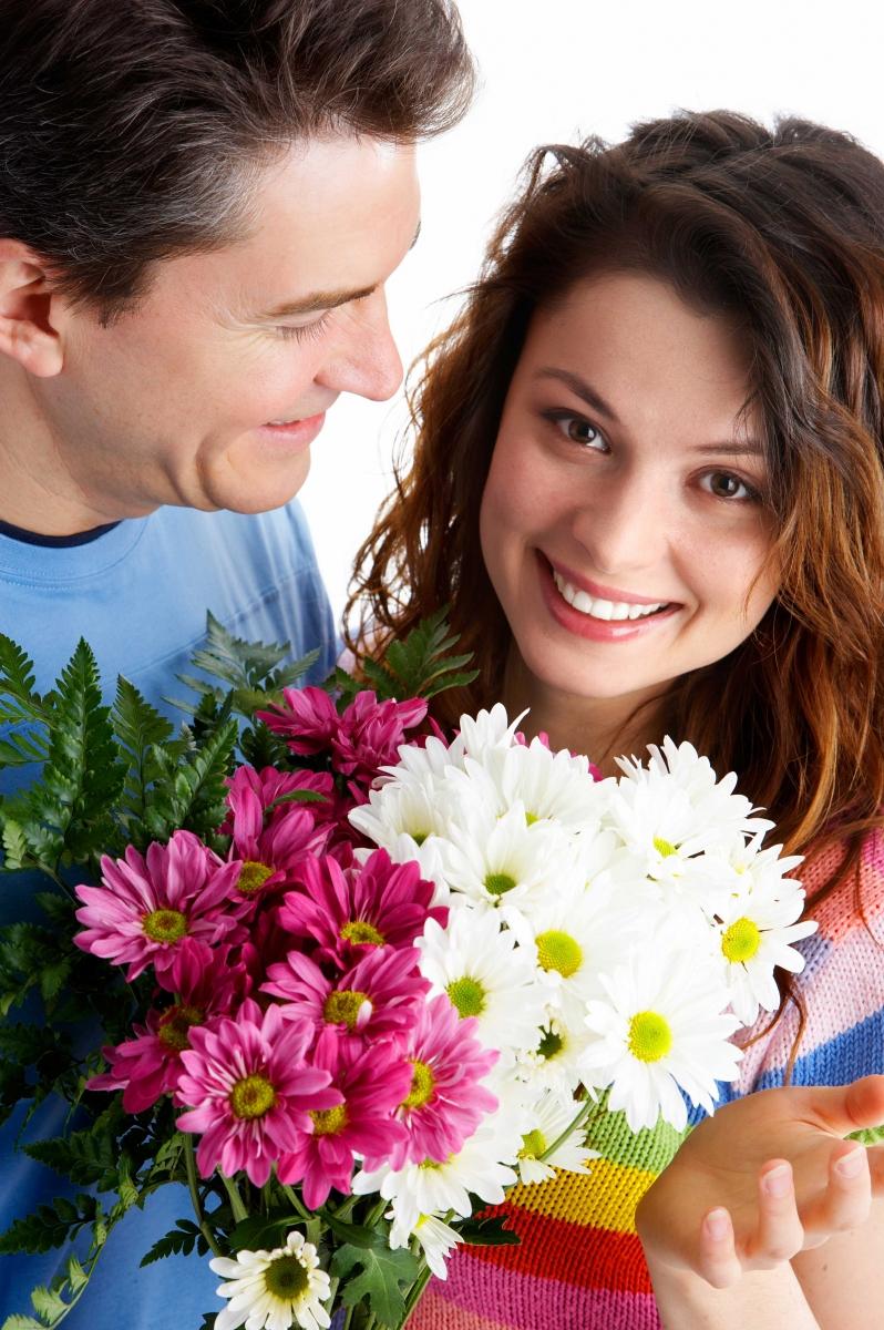 Дарить при девушке знакомстве сколько цветов